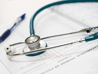 Zasiłki chorobowe i zwolnienia lekarskie? Zobacz, co warto wiedzieć! [WIDEO] - zasiłek chorobowy, zwolnienie lekarskie, umowa o pracę, cv, wzór cv, oferty pracy
