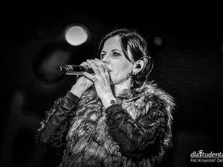 Dolores O'Riordan nie żyje. Zobaczcie zdjęcia z jej ostatniego koncertu w Polsce [ZDJĘCIA] - śmierć, zmarła Dolores, muzyka, Zombie, wokalistka, 2018