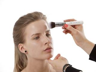Tylko we WSEiT atrakcyjne specjalizacje na kosmetologii - WSEiT, studia kosmetologia, kosmetologia