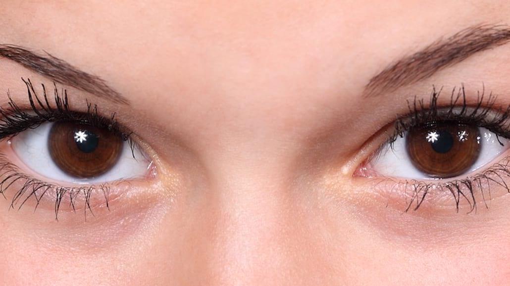 Masz worki i cienie pod oczami? TO im pomoże!