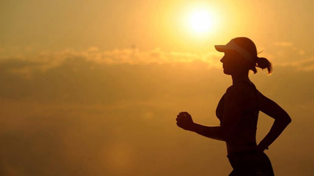 Jak biegać w upale?