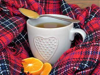 Domowe sposoby na przeziębienie - leki na grypę, katar, imbir, czosnek, kaszel, leki bez recepty