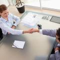Rozmowa kwalifikacyjna: te proste pytania bywają najtrudniejsze - popularne pytania, rozmowa o pracę, jak odpowiadać, co odpowiadać