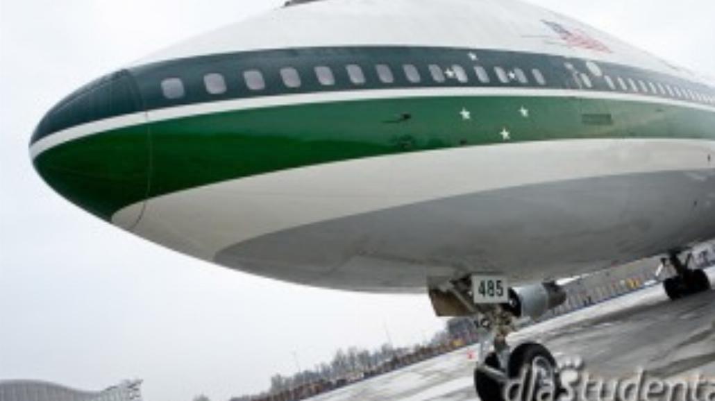 Gigantyczny Jumbo Jet wylądował we Wroclawiu