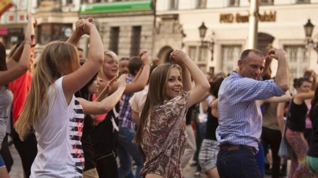 W centrum Wrocławia tańczyły do Single Ladies [ZDJĘCIA]