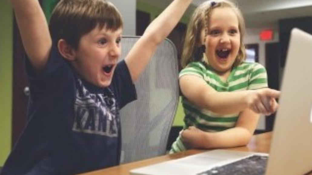 Zabawy wyszukiwarką - czego szukają 8-latki?