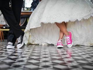 Nadchodzi czas balów maturalnych - Studniówka bal studniówkowy maturalny dla maturzystów zabawa tańce muzyka Nowy Rok