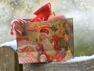 Organizacja Mikołajek w szkole - prezenty, losowanie, Mikołajki klasowe, świąteczna atmosfera, znienawidzone, święto, zabawa