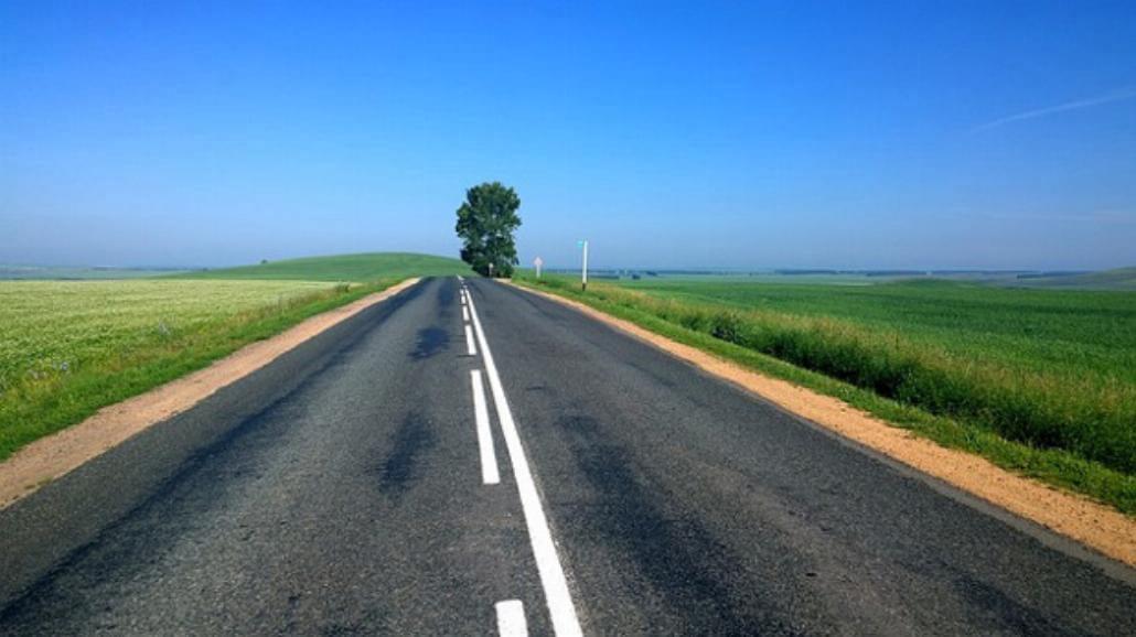 Slow driving podbija polskie drogi