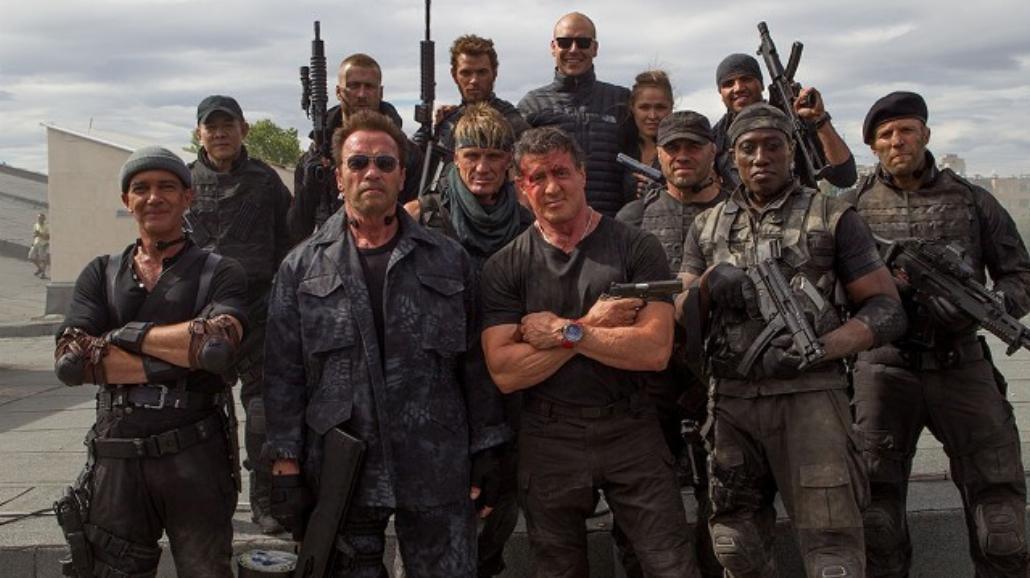 Schwarzenegger, Stallone, Snipes... Mamy fotosy z Niezniszczalnych 3!
