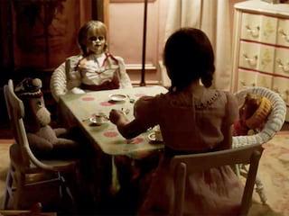 """""""Annabelle: Narodziny zła"""": Wejdź do strasznego pokoju VR [WIDEO] - film, horror, premiera, lalka, zwiastun, Bees Room"""