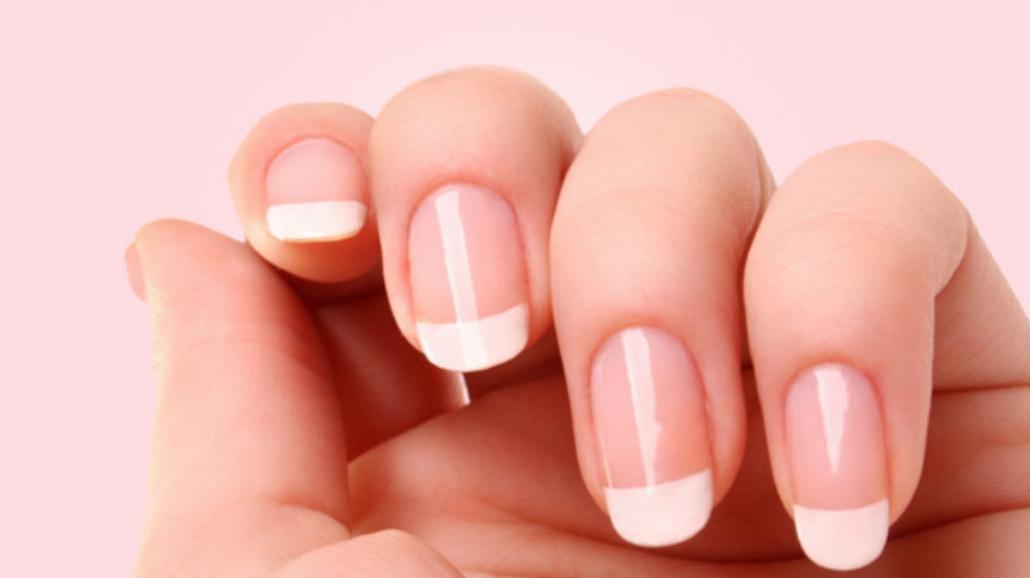 Jak dbać o paznokcie? Domowe sposoby