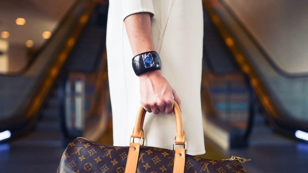 Niezbędnik stylowej kobiety, czyli co powinna mieć każda fashionistka
