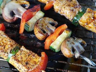Prawdziwie męskie grillowanie, czyli porady, które musisz znać! - dania z grilla, jak przyrządzić dania z grilla, sposoby na dobry grill