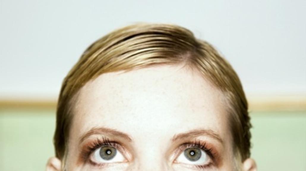 Masz wadę wzroku? Uważaj na migreny!