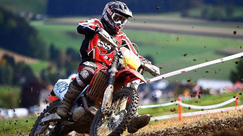 Jak zacząć przygodę z motocrossem?