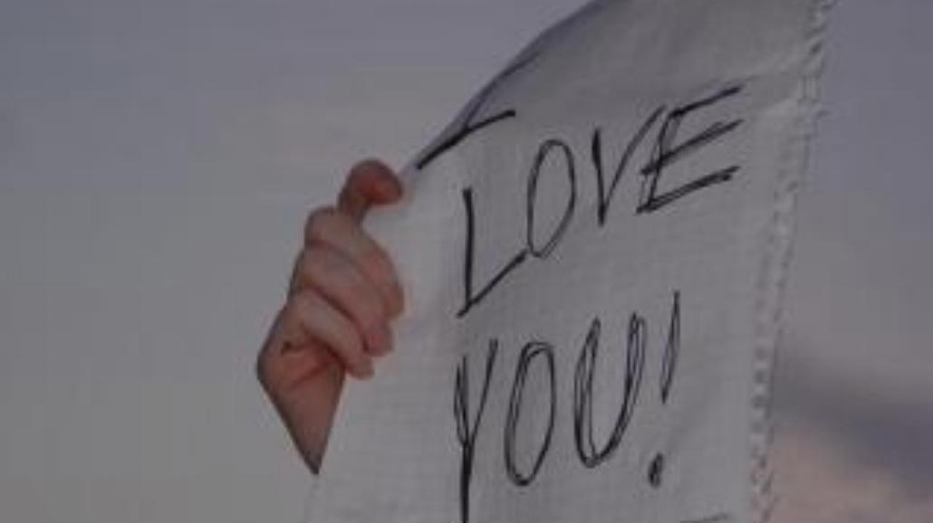 """Kto pierwszy mówi """"kocham Cię"""""""