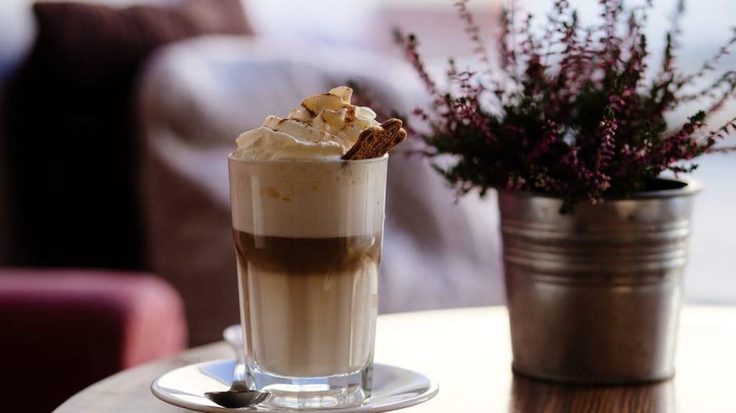 Przepis na aromatyczną kawę orzechową