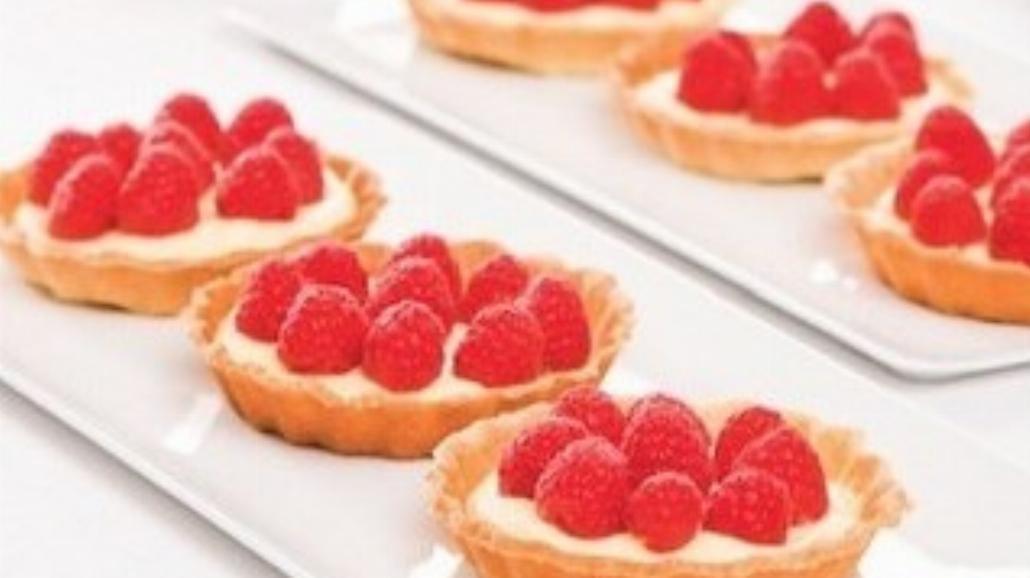 Wyrafinowany deser - minitarty z malinami