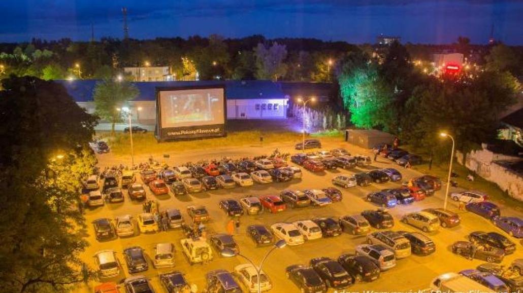 Kino samochodowe w Wawrze [PROGRAM]