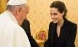Angelina Jolie spotyka się z papieżem przy okazji pokazu filmu Niezłomny  - Zdjęcie nr 3