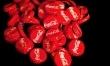 Do 1903 roku coca-cola zawierała kokainę. Aktualnie do produkcji napoju używa się odmiany bez narkotyzującego alkaloidu