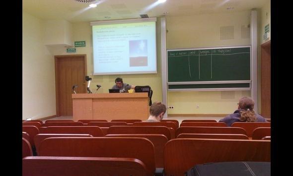 Tłum na wykładzie
