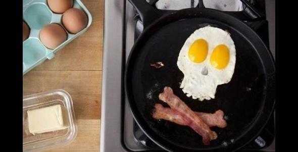 Śniadanie prawdziwego fana metalu