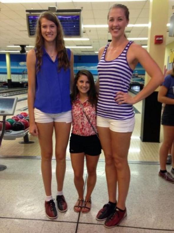 Dwie siatkarki i cheerleaderka - studia to miejsce dla każdego!