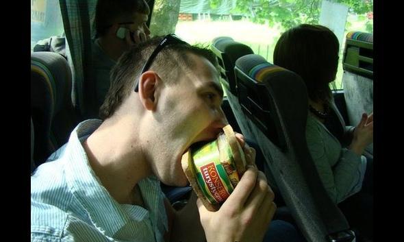 Kanapka z konserwą