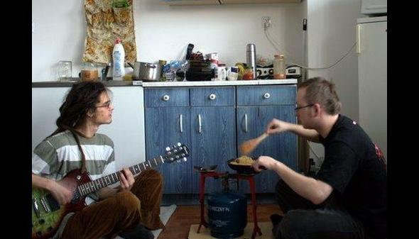 Śniadanie przy dzwiękach gitary