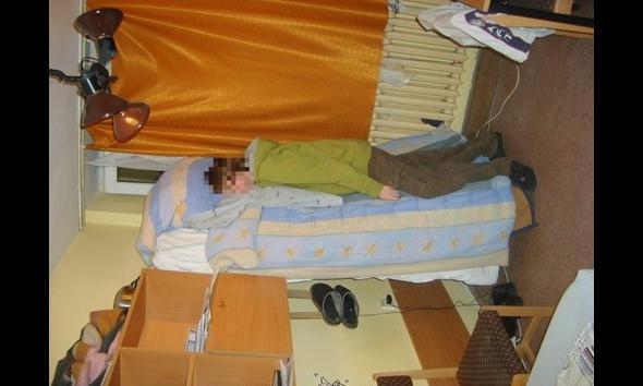 Ktoś mówił, iż nie można spać na stojąco? Student potrafi!