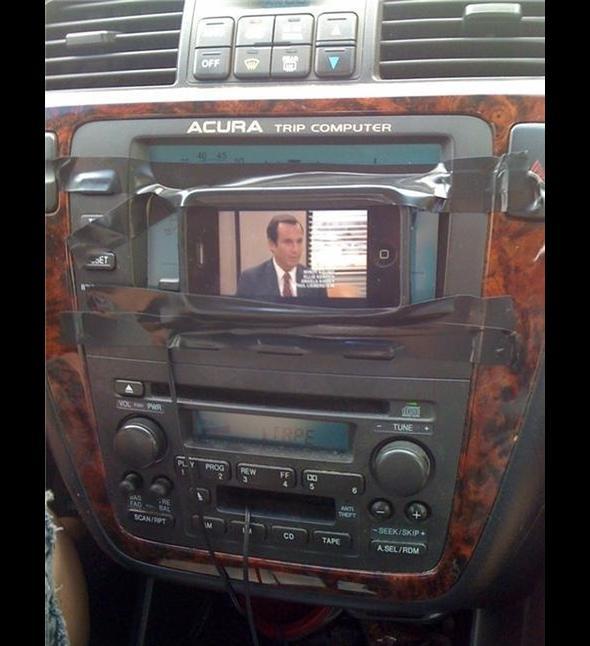 Sposób na telewizor w samochodzie