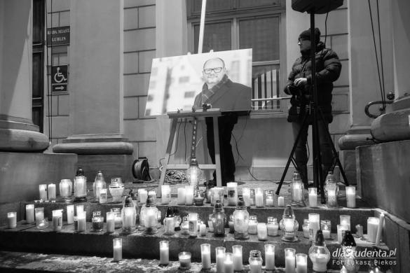 Światełko pamięci dla Pawła Adamowicza w Lublinie