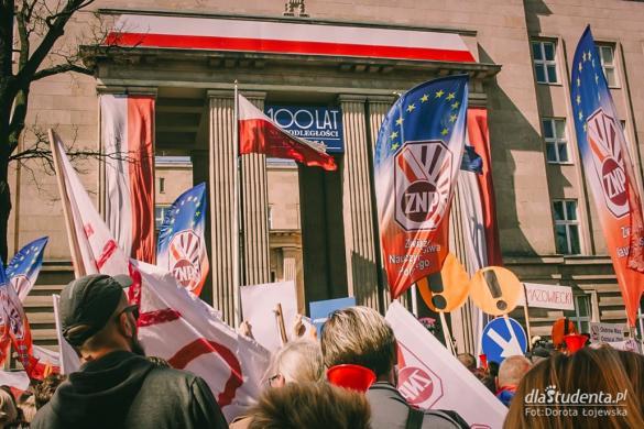 Strajk nauczycieli przy Ministerstwie Edukacji Narodowej