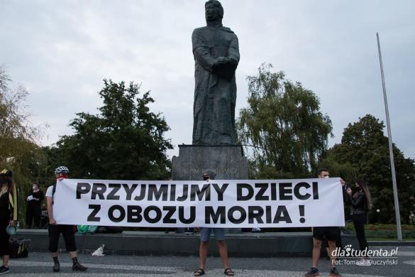 Solidarność z uchodźcami z Morii - manifestacja w Poznaniu