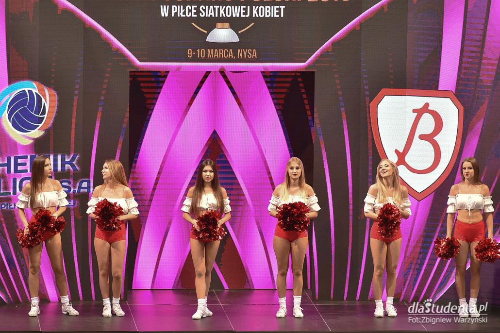 Cheerleaders Ergo Śląsk podczas Pucharu Polski 2019