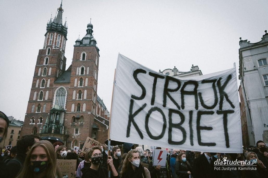 To jest wojna - manifestacja pod kurią w Krakowie