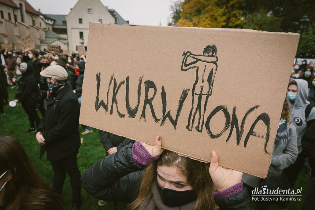 To jest wojna - manifestacja pod kurią w Krakowie - zdjęcie nr 1543920