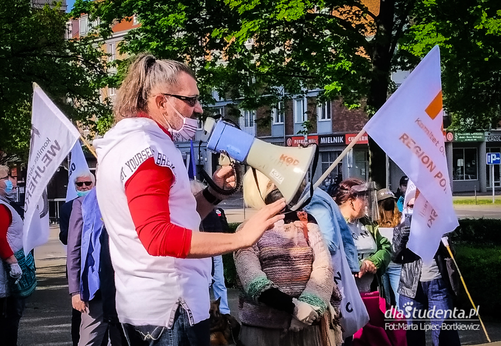 Protest w obronie demokracji w Gdańsku - zdjęcie nr 1526407