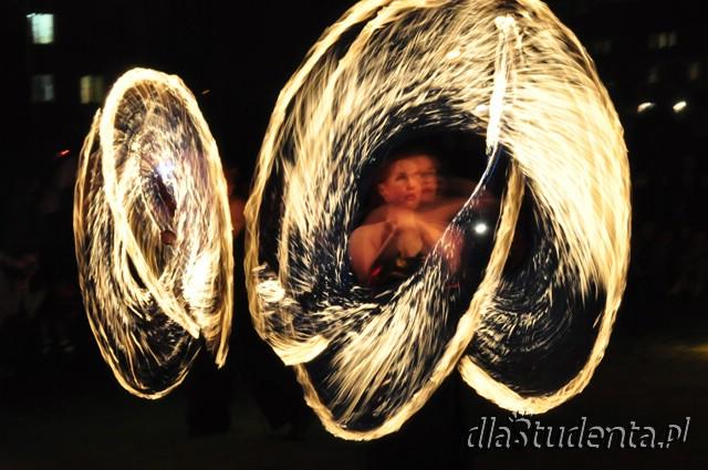 Kortowiada: Pokaz tańca z ogniem