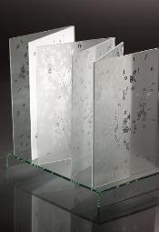 Papier i szkło - obiekty transliteralne