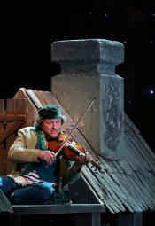 """""""Skrzypek na dachu"""" w Teatrze Żydowskim"""