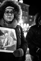Światełko pamięci dla Pawła Adamowicza we Wrocławiu