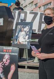 """""""Nie będziemy ofiarami"""" - demonstracja przeciw konwencji antyprzemocowej."""