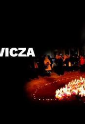 Zapłonęło serce dla Pawła Adamowicza w Poznaniu
