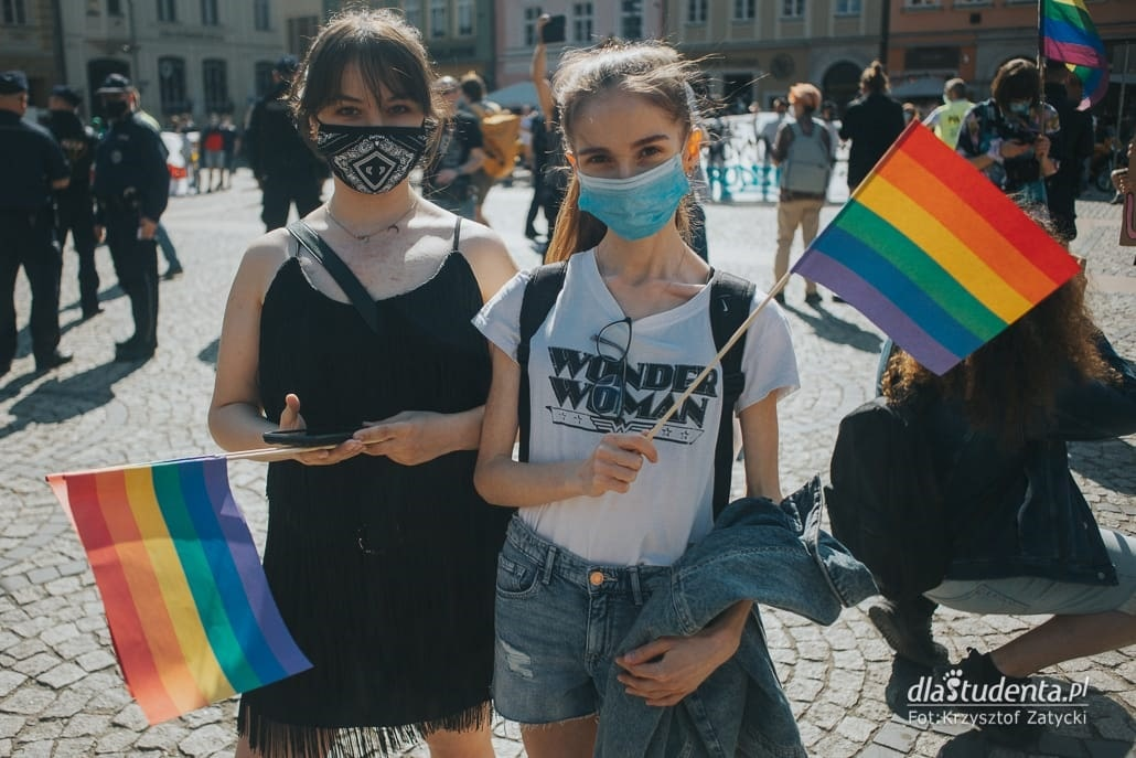 Manifestacja przeciwko przemocy w stosunku do osób LGBTQIA we Wrocławiu