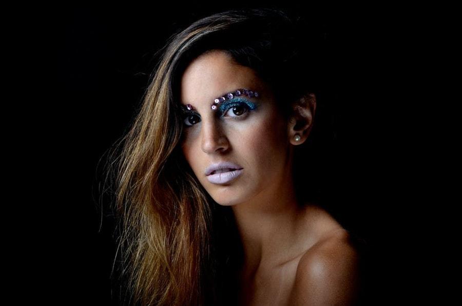 Błędy w robieniu makijażu, które szpecą twarz