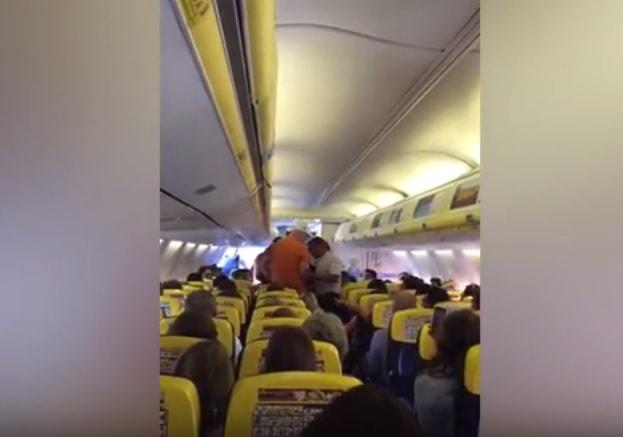 Bójka w samolocie
