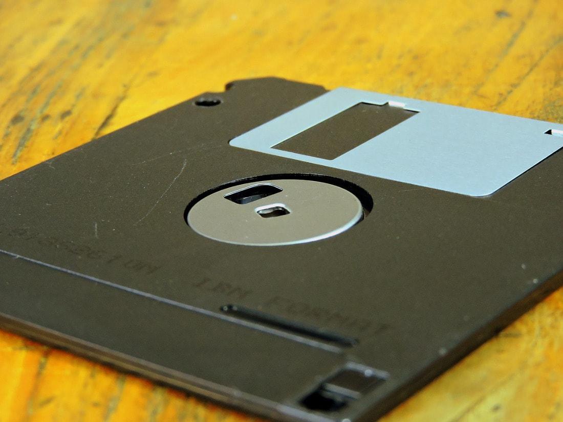 Self Storage może być dobrym miejscem do przechowania starego sprzętu.